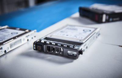 """DYW42 Dell 100GB SATA MLC Ent. 2.5"""" SSD"""
